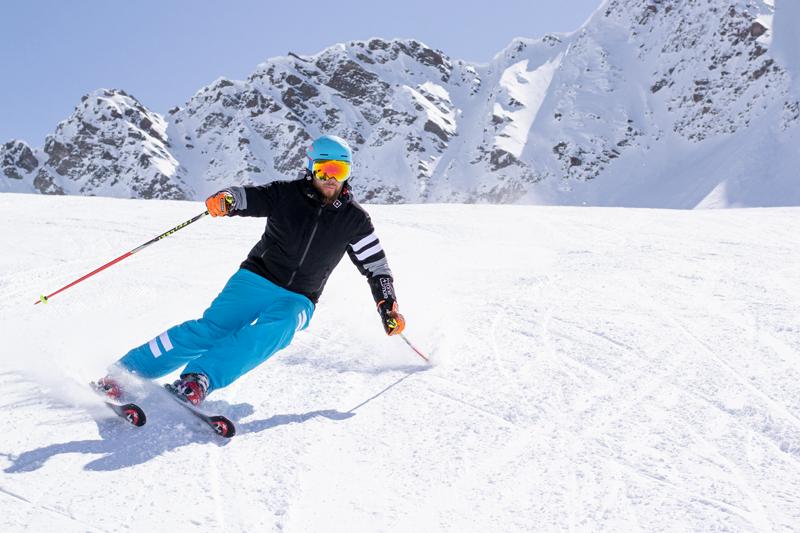 Jak vybrat lyžáky – Testování lyží