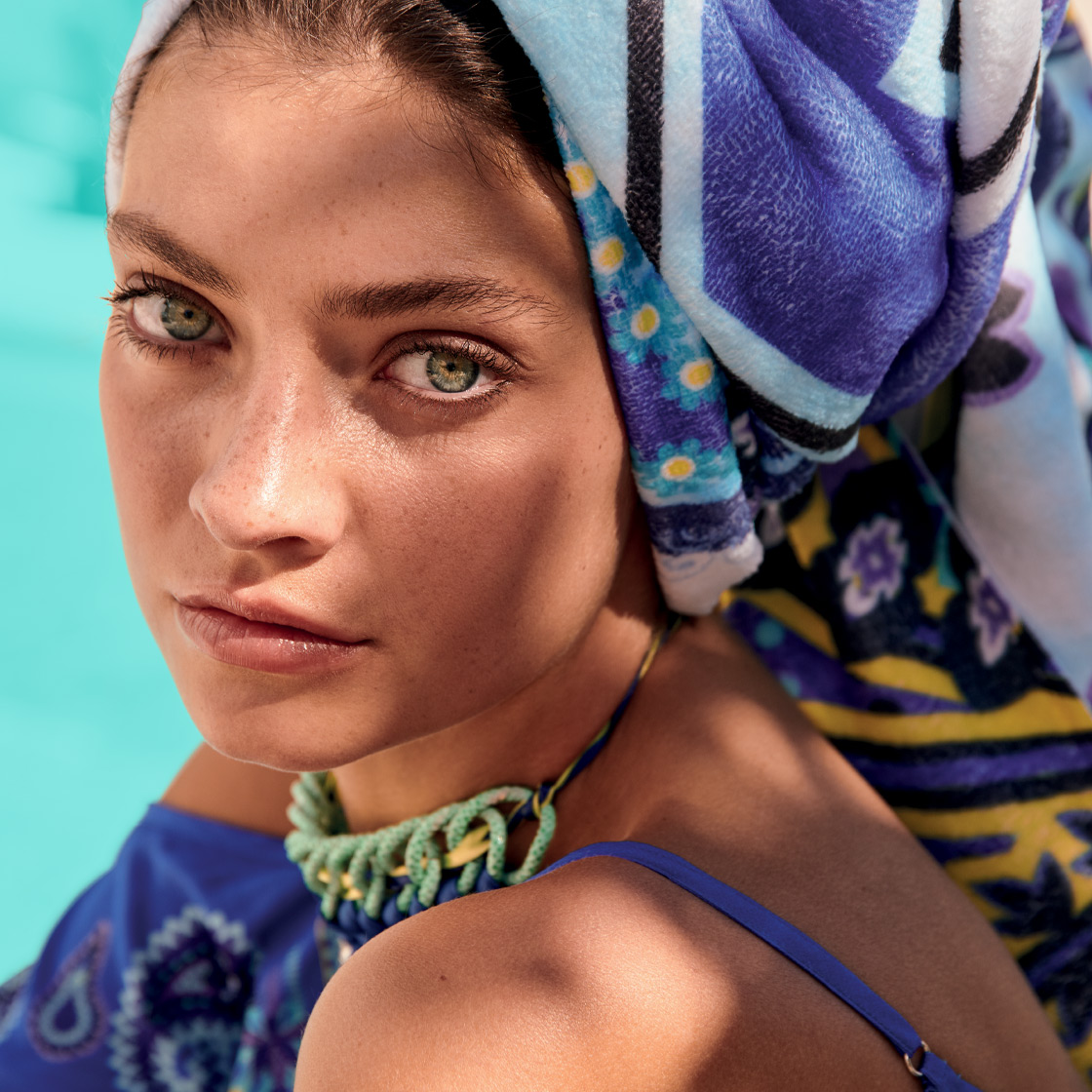 Letní oblečení pro ženy s až 50% slevou.