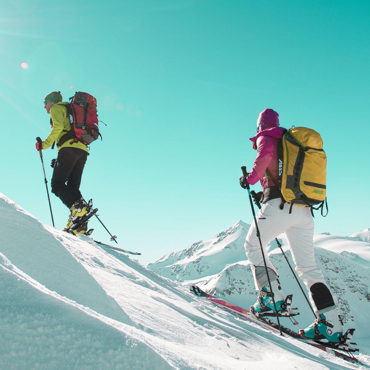 Skimax_Pujcovna_lyzi_snowboardu_bezek_skialpy_a_sneznice_1